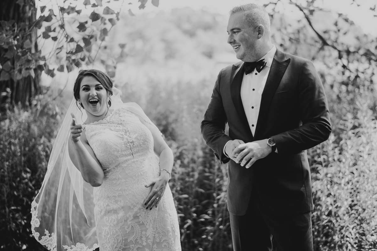 16 fun wedding photos at cantigny park - Cantigny Wedding Photos