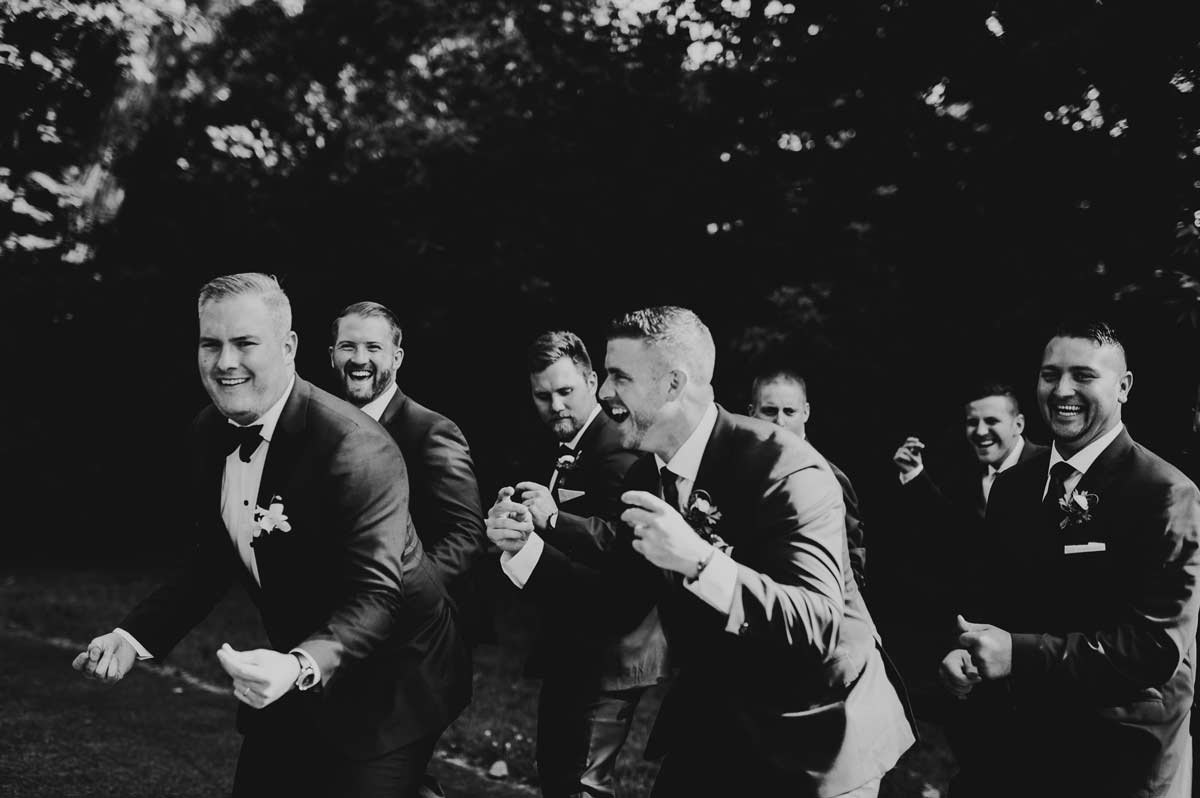 38 fun bridal party wedding photos - Cantigny Wedding Photos