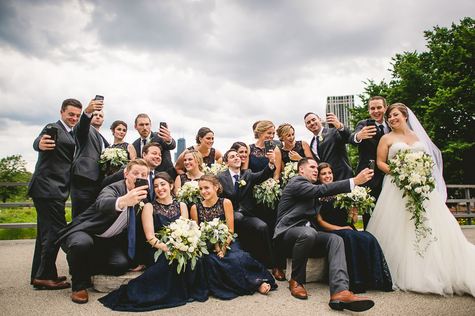 52 fun bridal party pics - Harold Washington Library Wedding Photos // Kasia + Chris