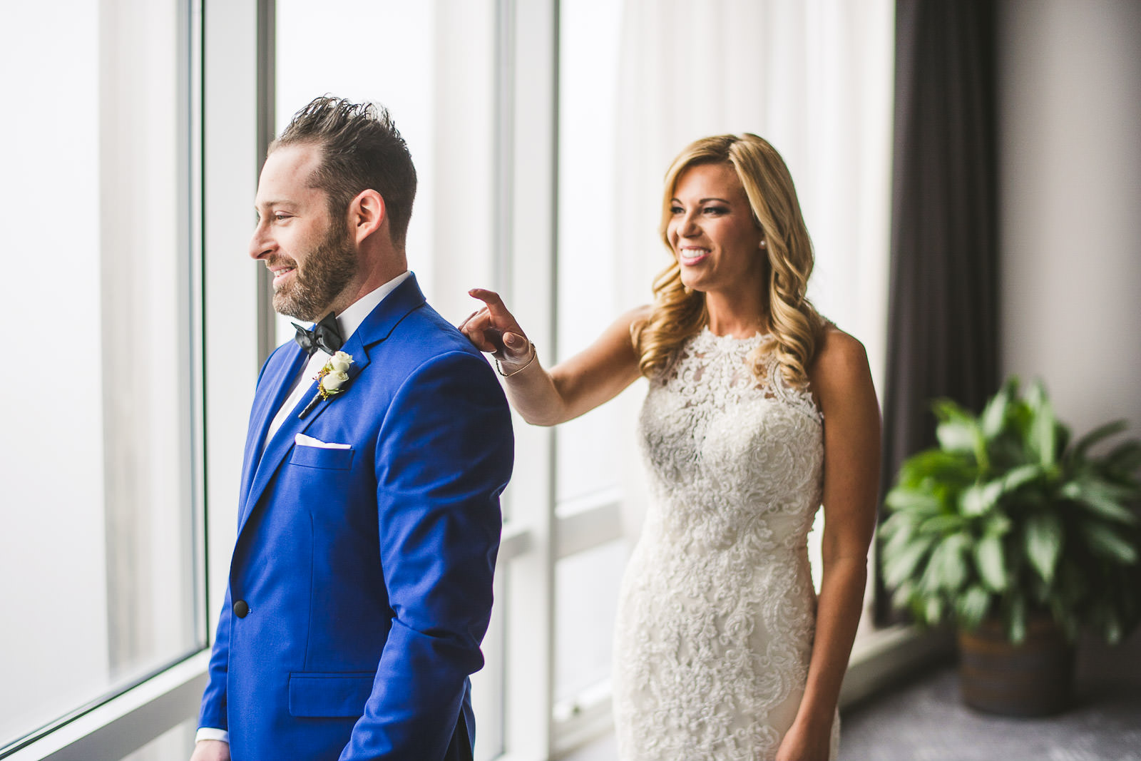 best first looks wedding photos - Why you should do a first look