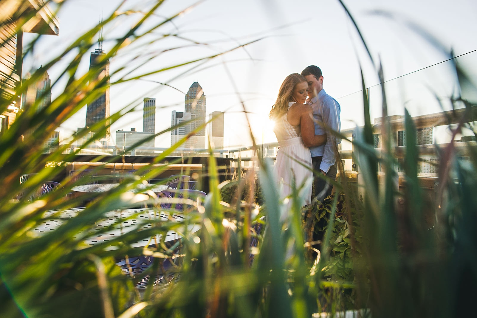 10 rooftop engagement photography - Rooftop Chicago Engagement Session // Aubyn + Danny