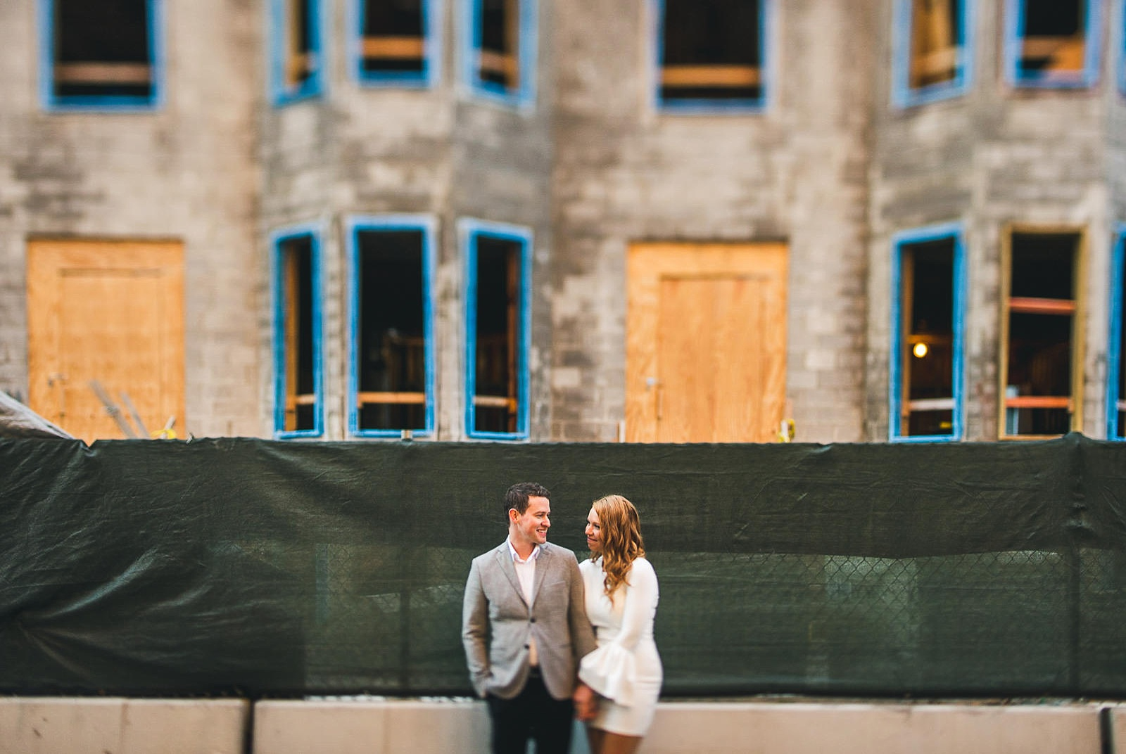 19 chicago engagement inspiration - Rooftop Chicago Engagement Session // Aubyn + Danny