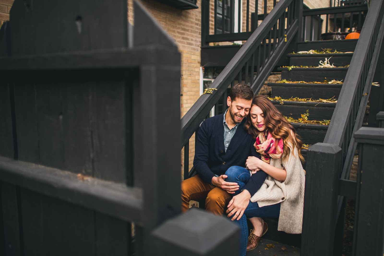 5 fun bucktown engagement photos - Bucktown Chicago Engagement Photos // Pearl + Ken