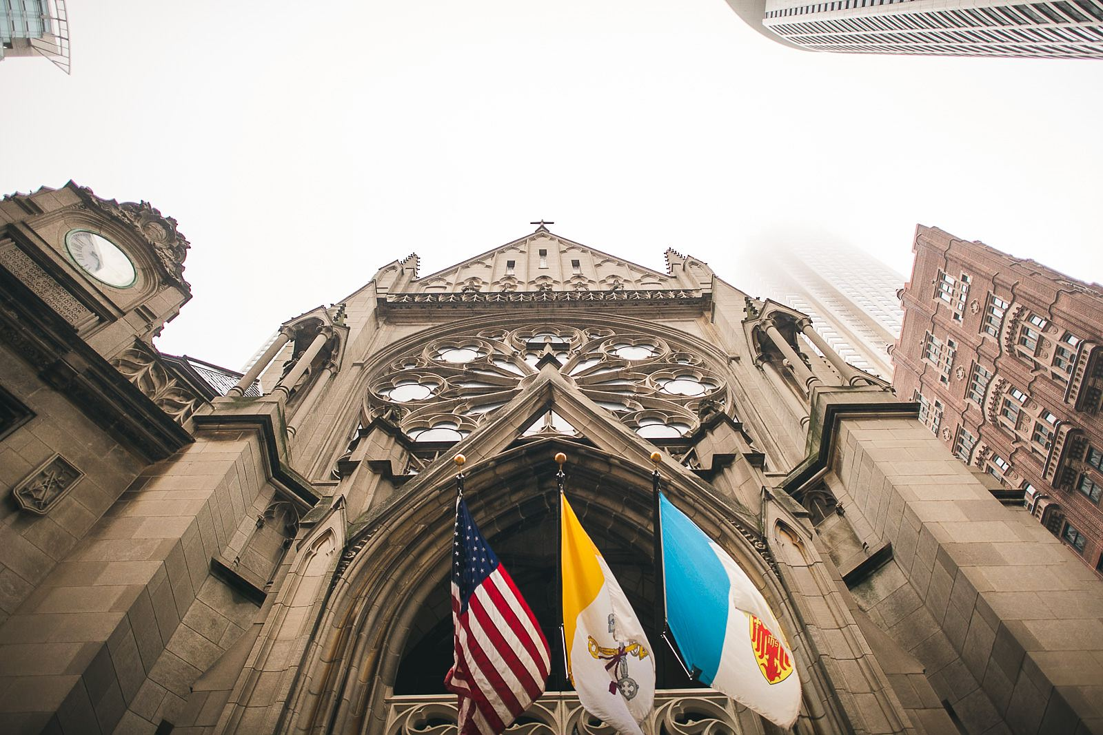 18 st james chapel flags - Ivy Room Wedding // Audrey + Tyler