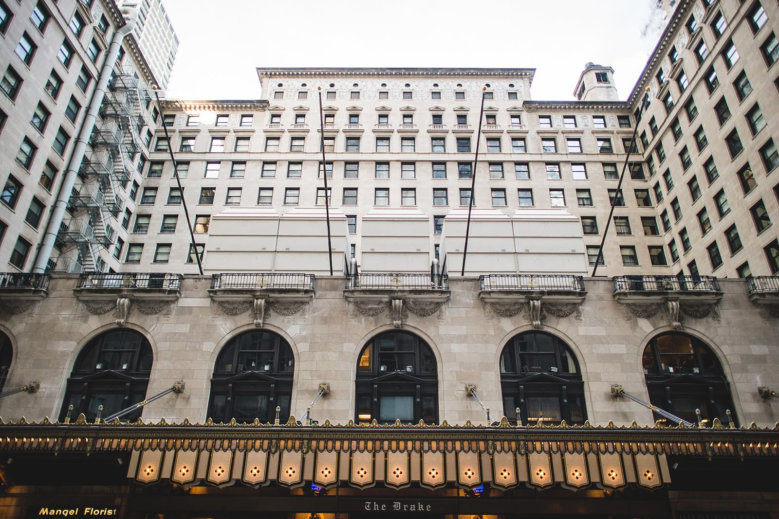 01 drake hotel chicago - Drake Chicago Luxury Wedding Photography // Kate + Royce