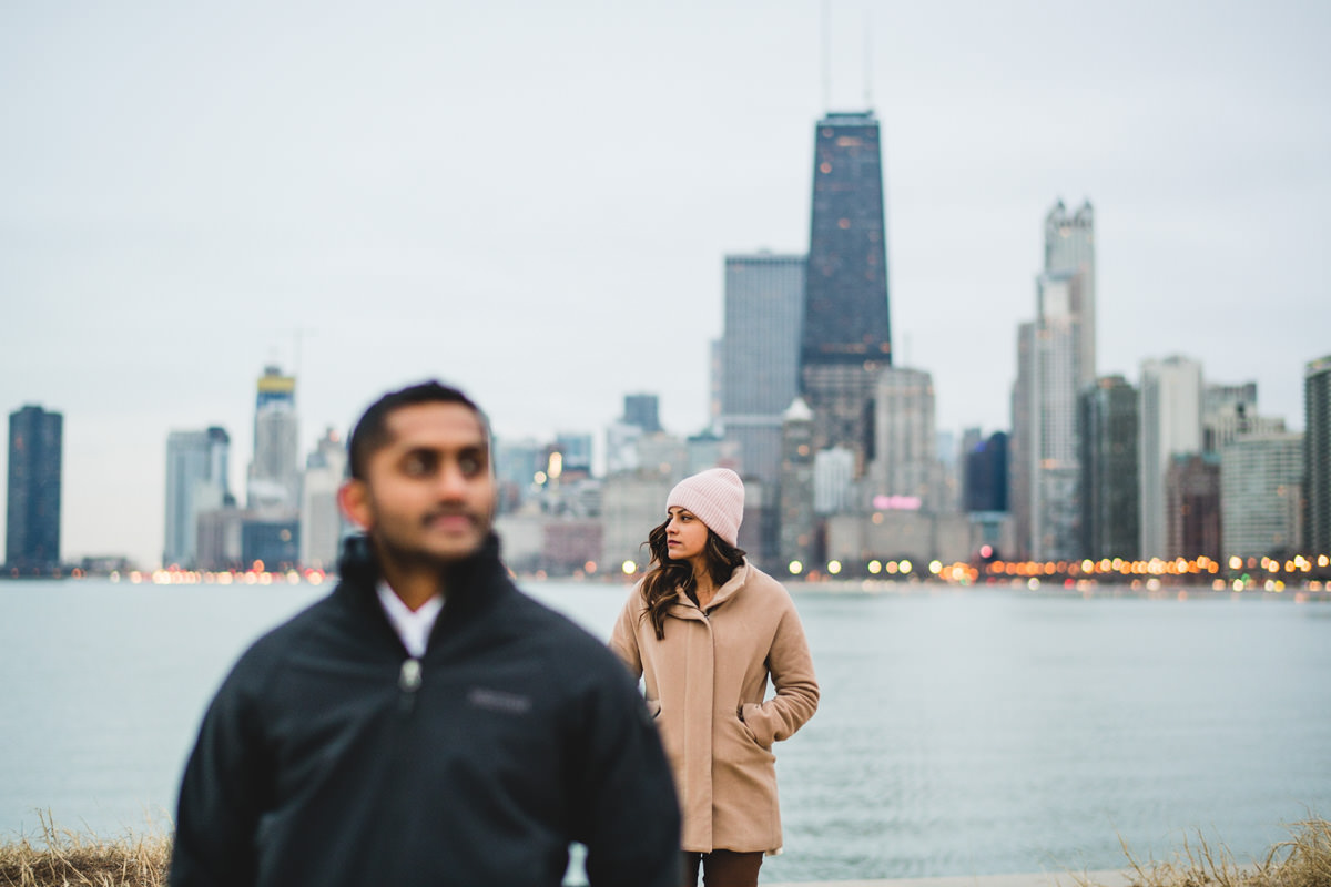 10 chicago engagement winter photos on the lake - Winter Engagement Session in Chicago // Steve + Jasa