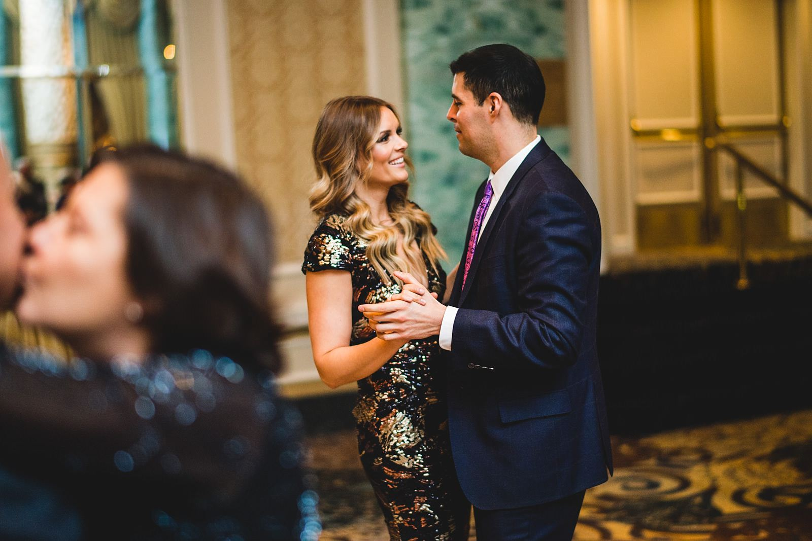 34 wedding reception photos at drake - Drake Chicago Luxury Wedding Photography // Kate + Royce