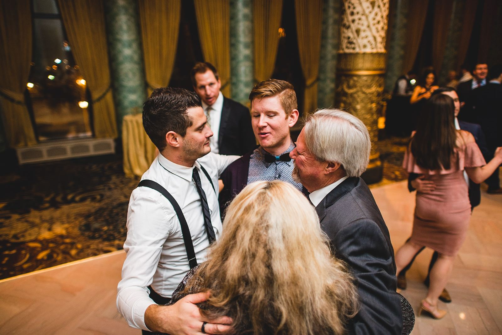 36 reception photos at the drake - Drake Chicago Luxury Wedding Photography // Kate + Royce