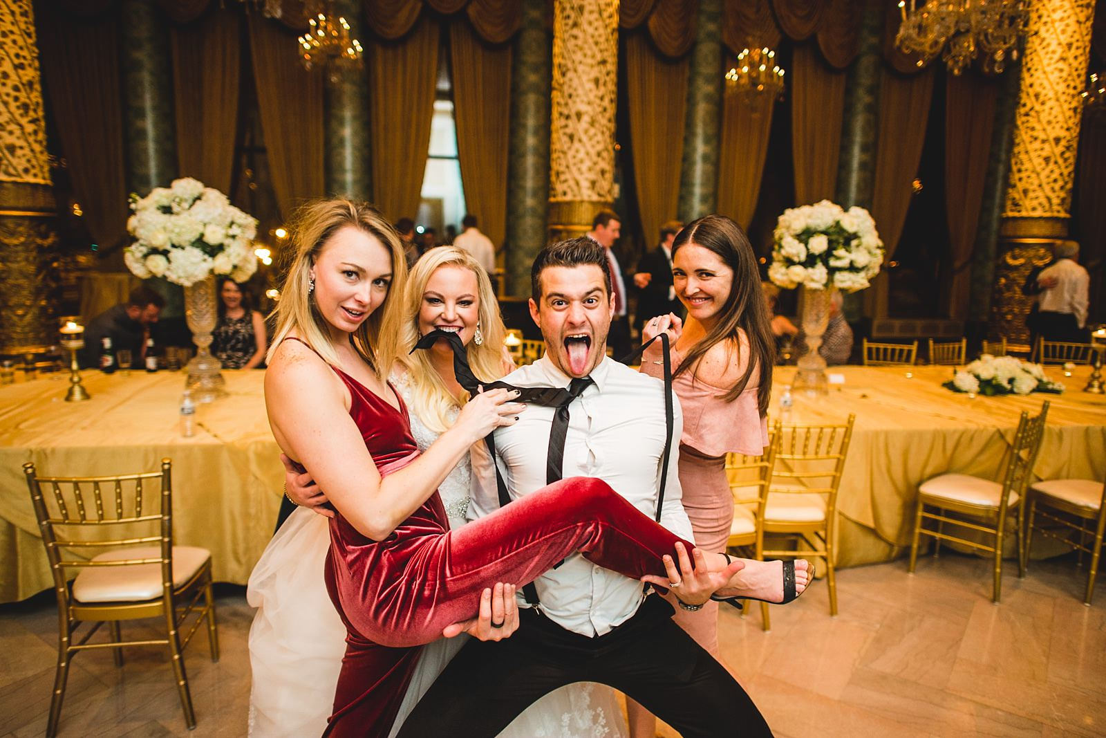 38 fun photos at the drake - Drake Chicago Luxury Wedding Photography // Kate + Royce