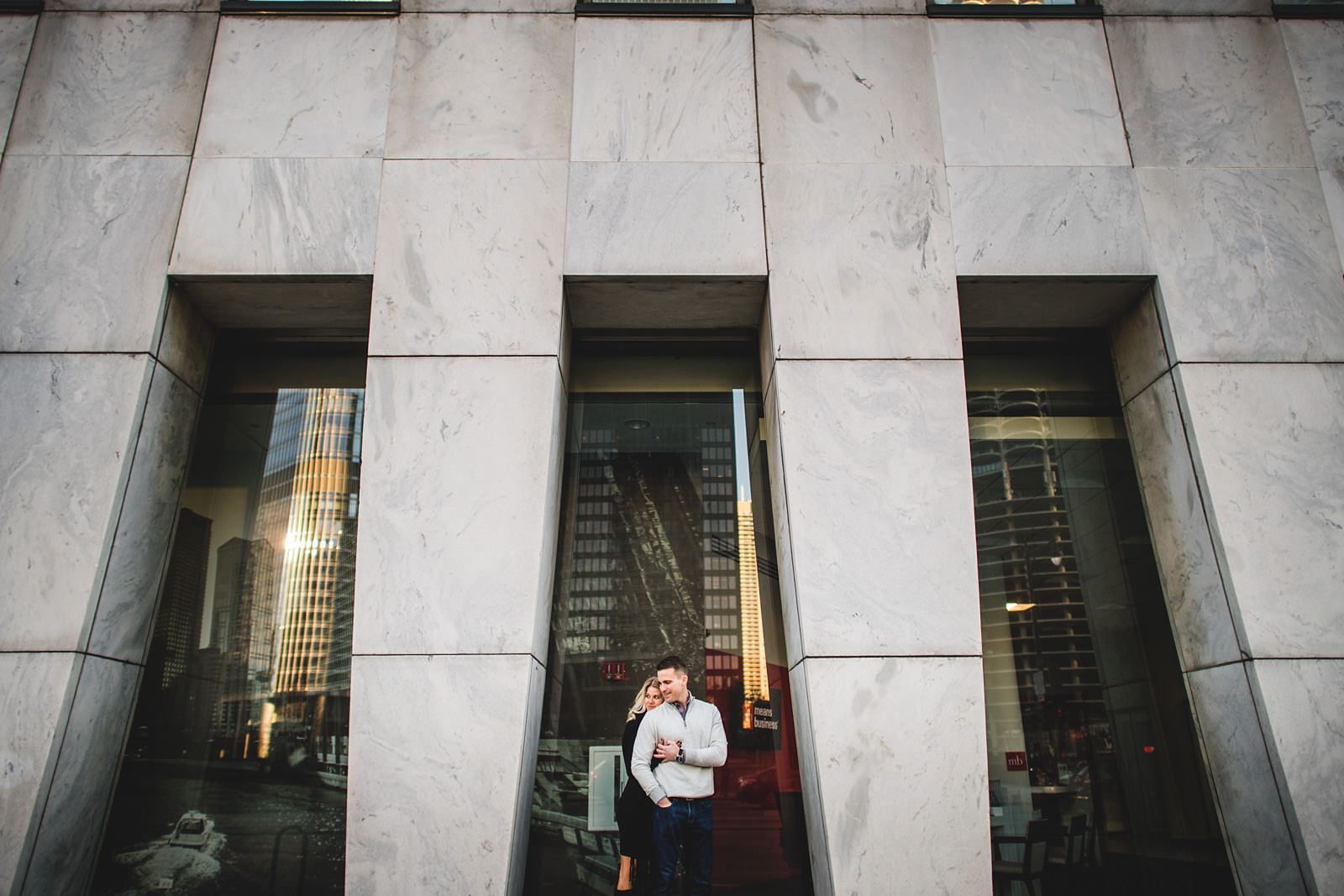 02 downtown chicago engagement session ideas - Chicago Engagement Session // Brie + Jason
