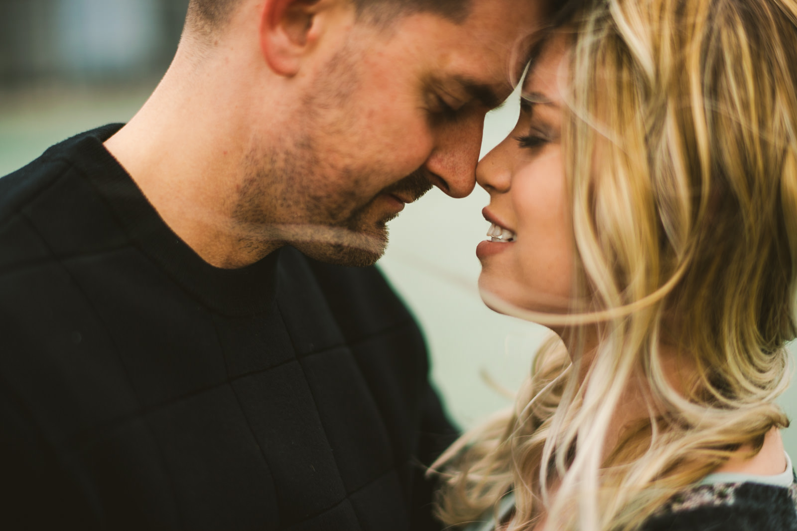 05 engagement photo inspiration - Downtown Chicago Engagement \\ Stephanie + Luke