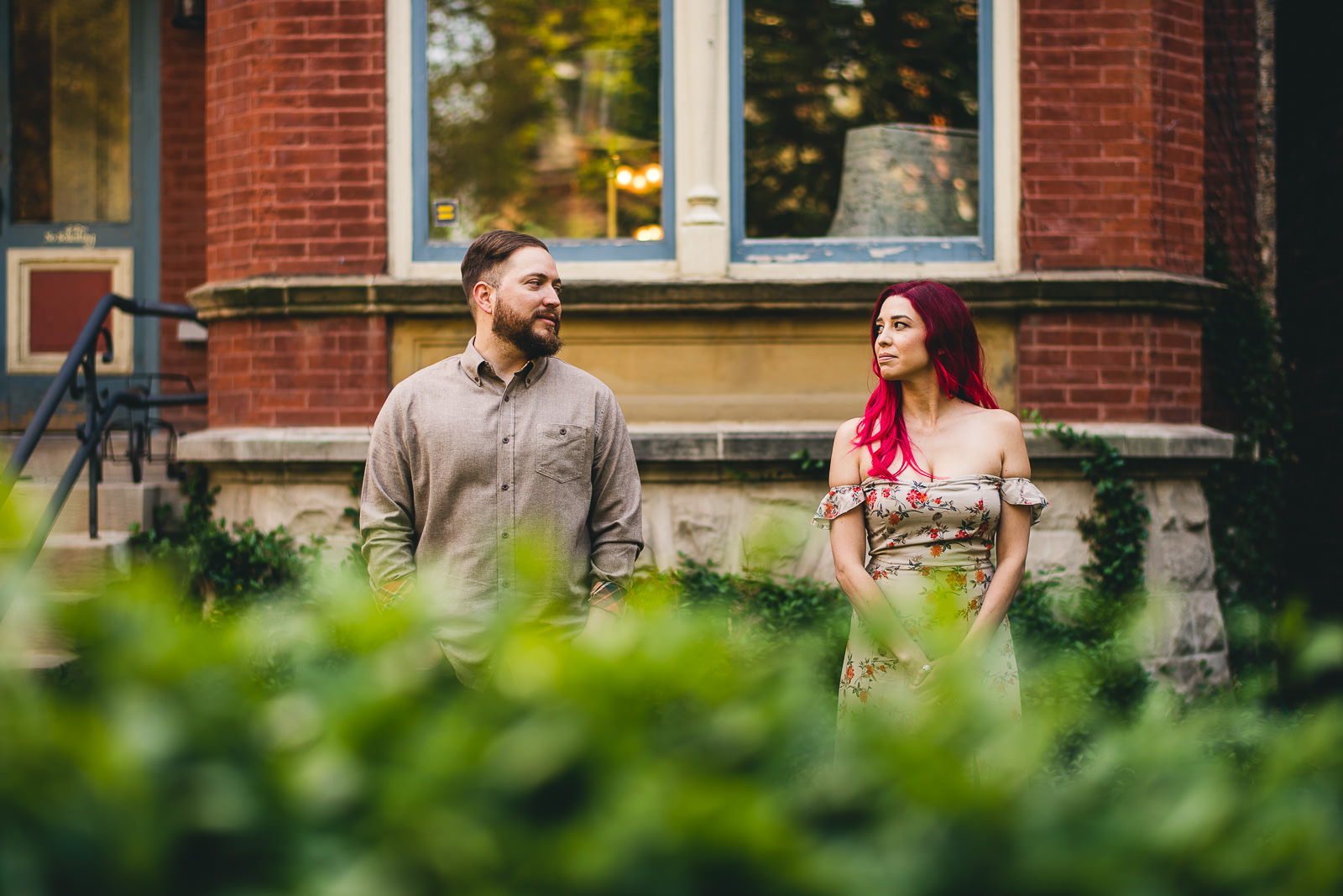 17 totally wes anderson inspired photo session - Wes Anderson Chicago Engagement Session / Tam + Rob
