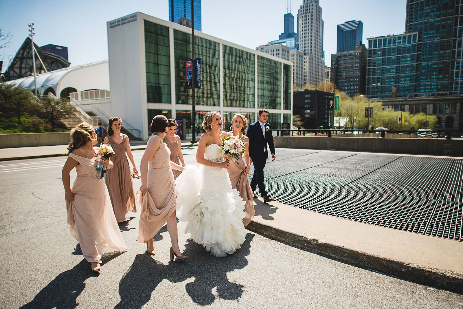 32 1 walking to mid america wedding photos - Mid America Club Wedding Photography / Hannah + Jay