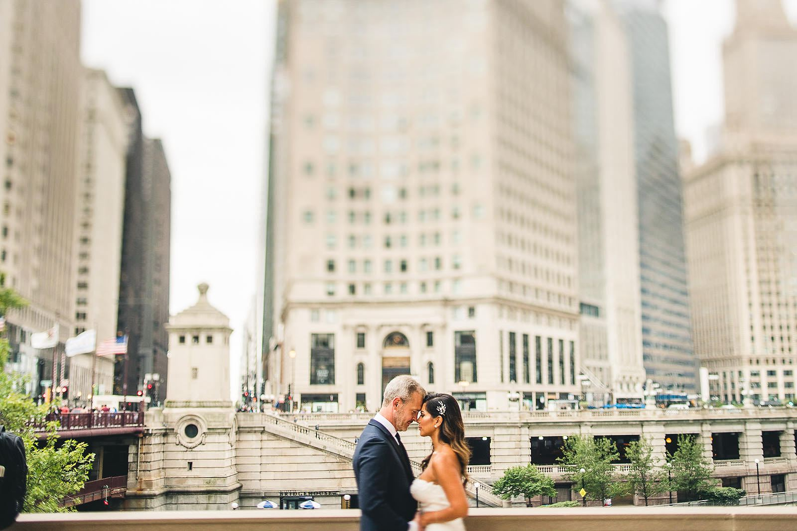 12 chicago wedding photographer - Intercontinental Chicago Hotel Wedding // Lili + Danny