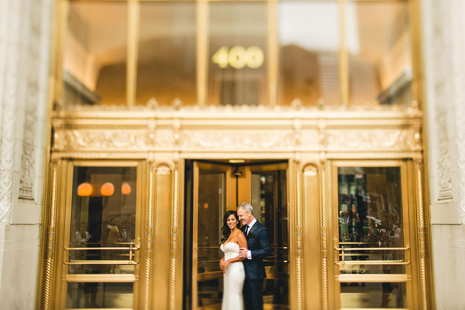 13 chicago wedding photography - Intercontinental Chicago Hotel Wedding // Lili + Danny