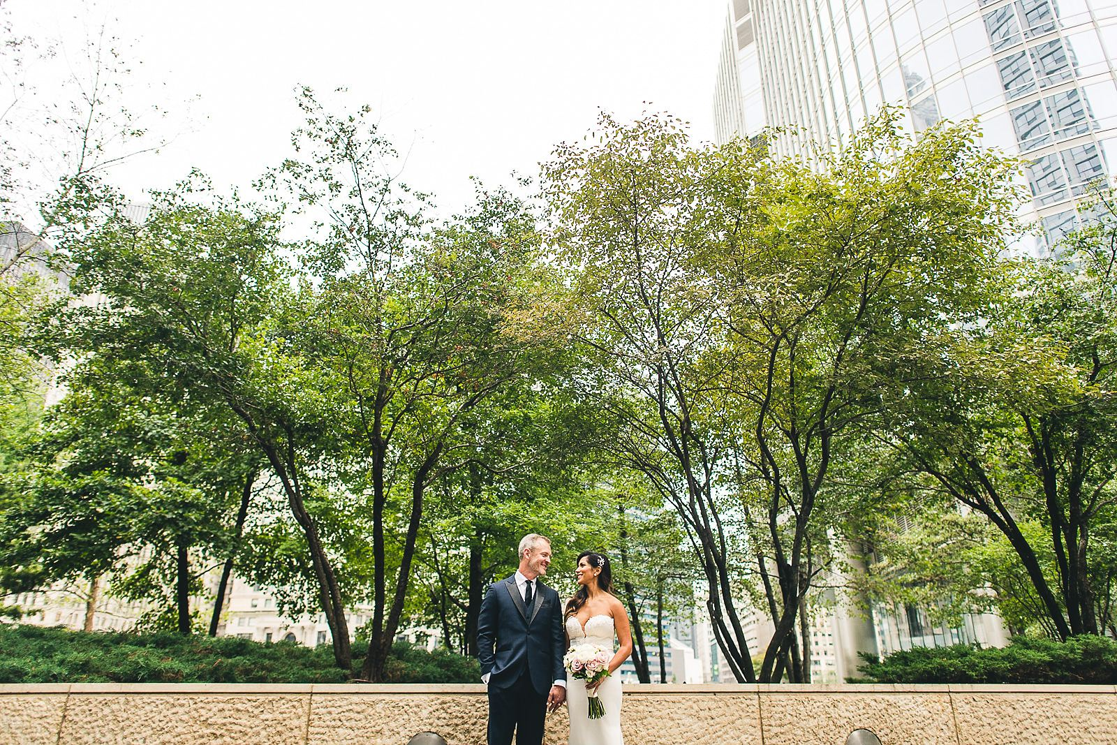 17 best downtown wedding photos - Intercontinental Chicago Hotel Wedding // Lili + Danny
