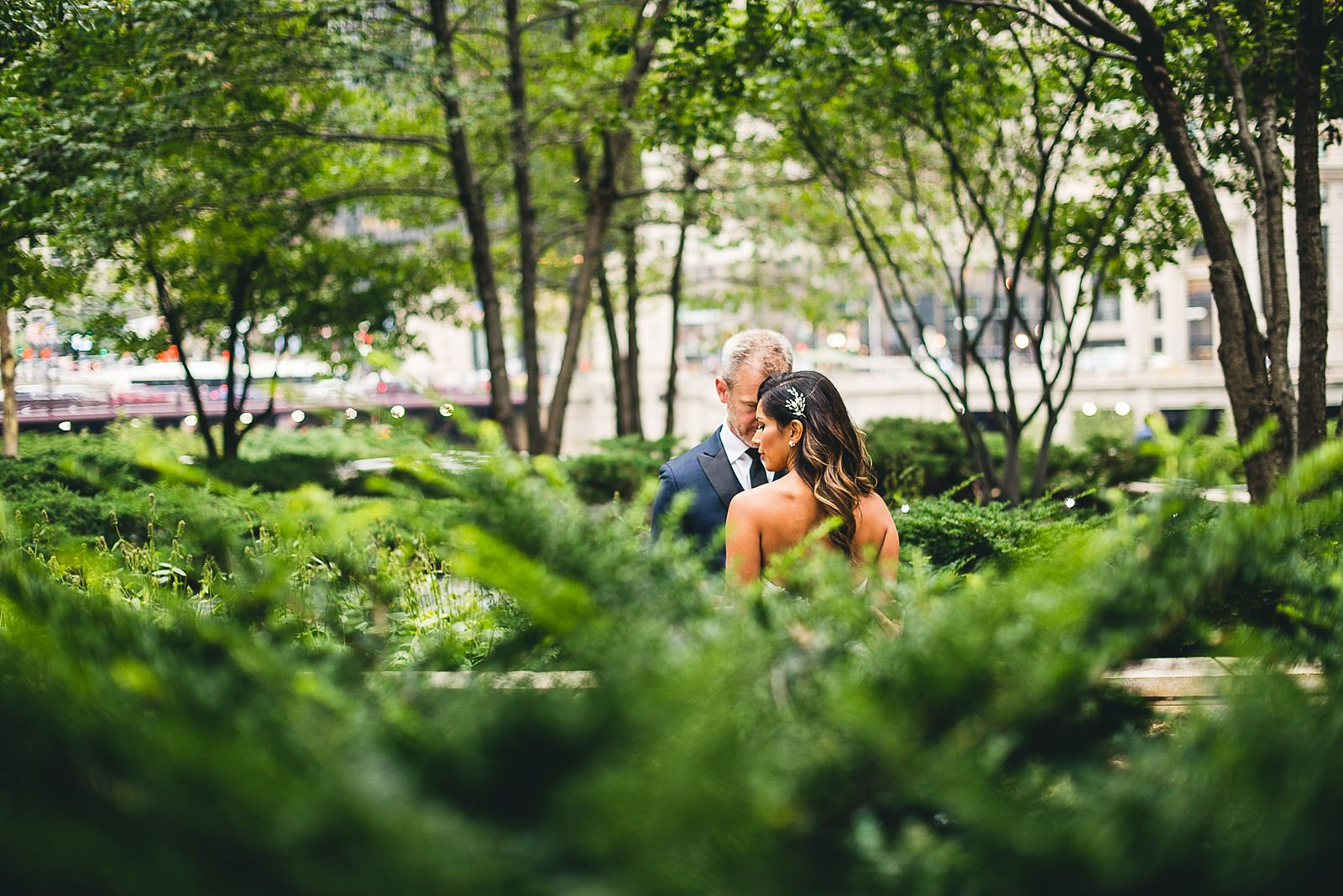 19 best bride and groom portraits - Intercontinental Chicago Hotel Wedding // Lili + Danny