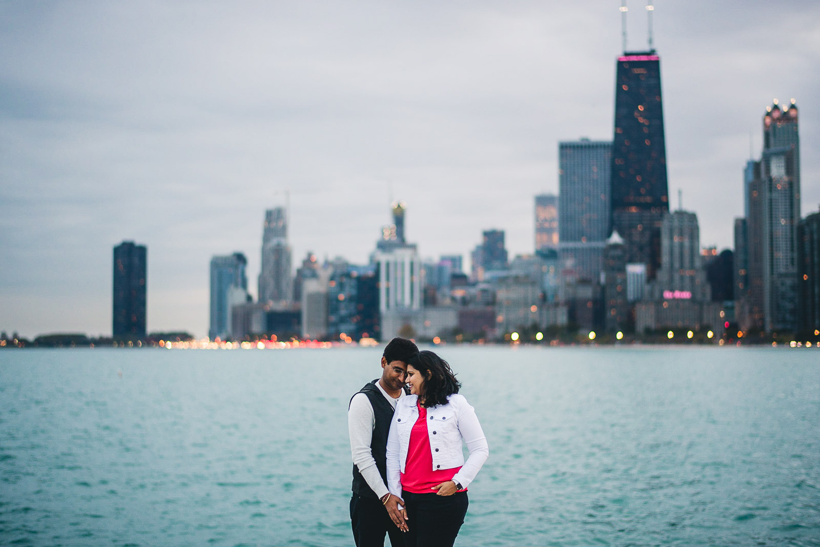 02 chicago engagement photo inspiration - Downtown Chicago Engagement Session // Mikita + Singh