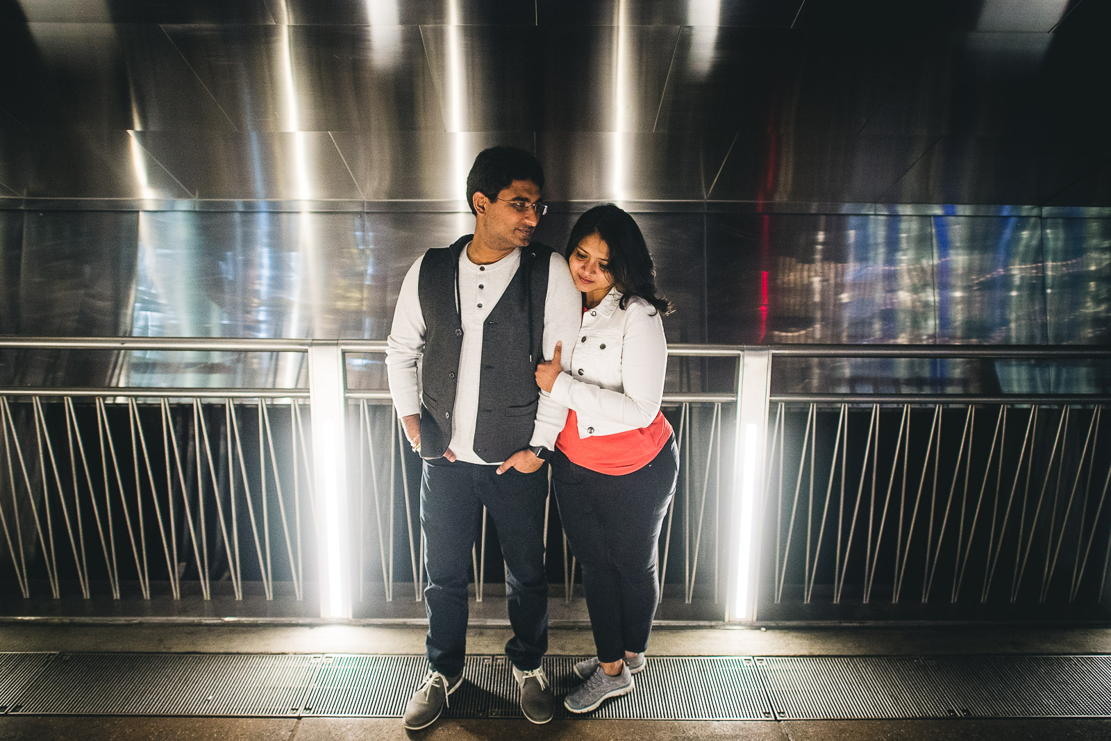 15 best chicago engagement photography - Downtown Chicago Engagement Session // Mikita + Singh
