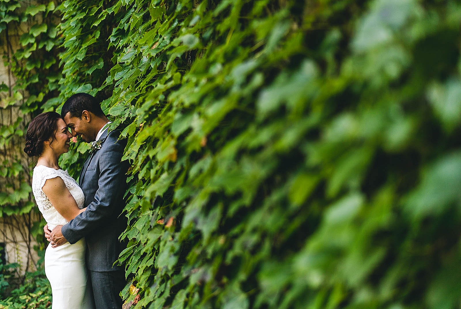 18 best wedding photographers in chicago - Wedding at Bridgeport Art Center // Kylie + Sean