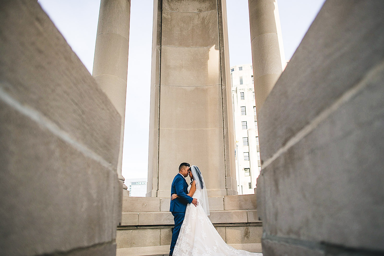 19 chicago wedding photos at london house hotel - LondonHouse Wedding Photos // Mari + Kevin