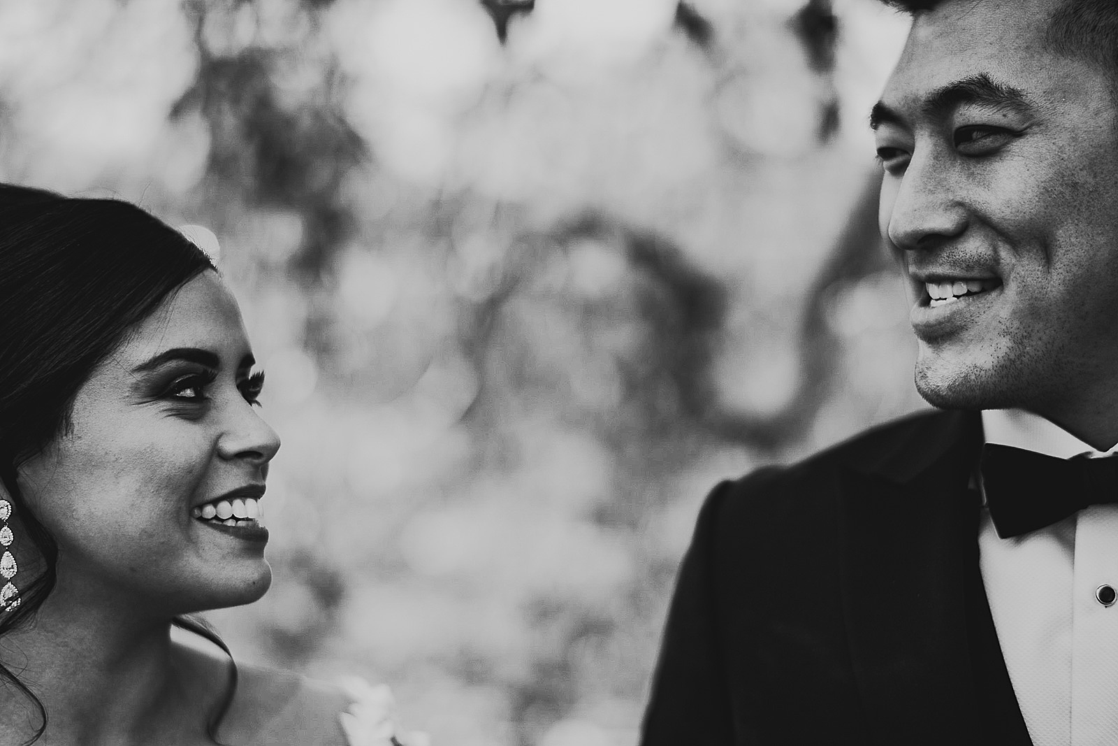 10 creative chicago wedding photographers - Chicago Wedding Photography at Morton Arboretum // Alex + Tim