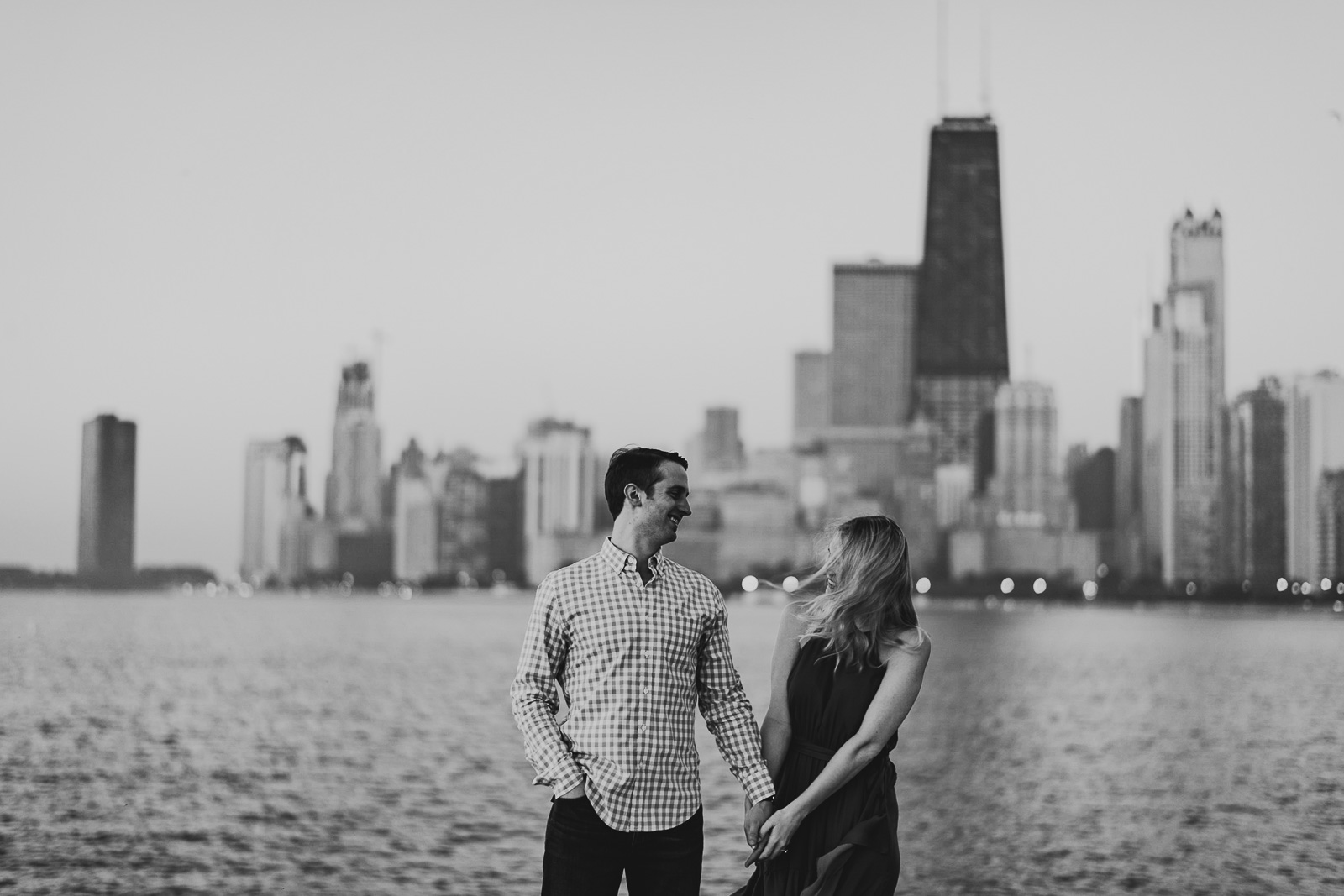 14 engagement session black and white - Chicago Engagement Photos // Lauren + Ben