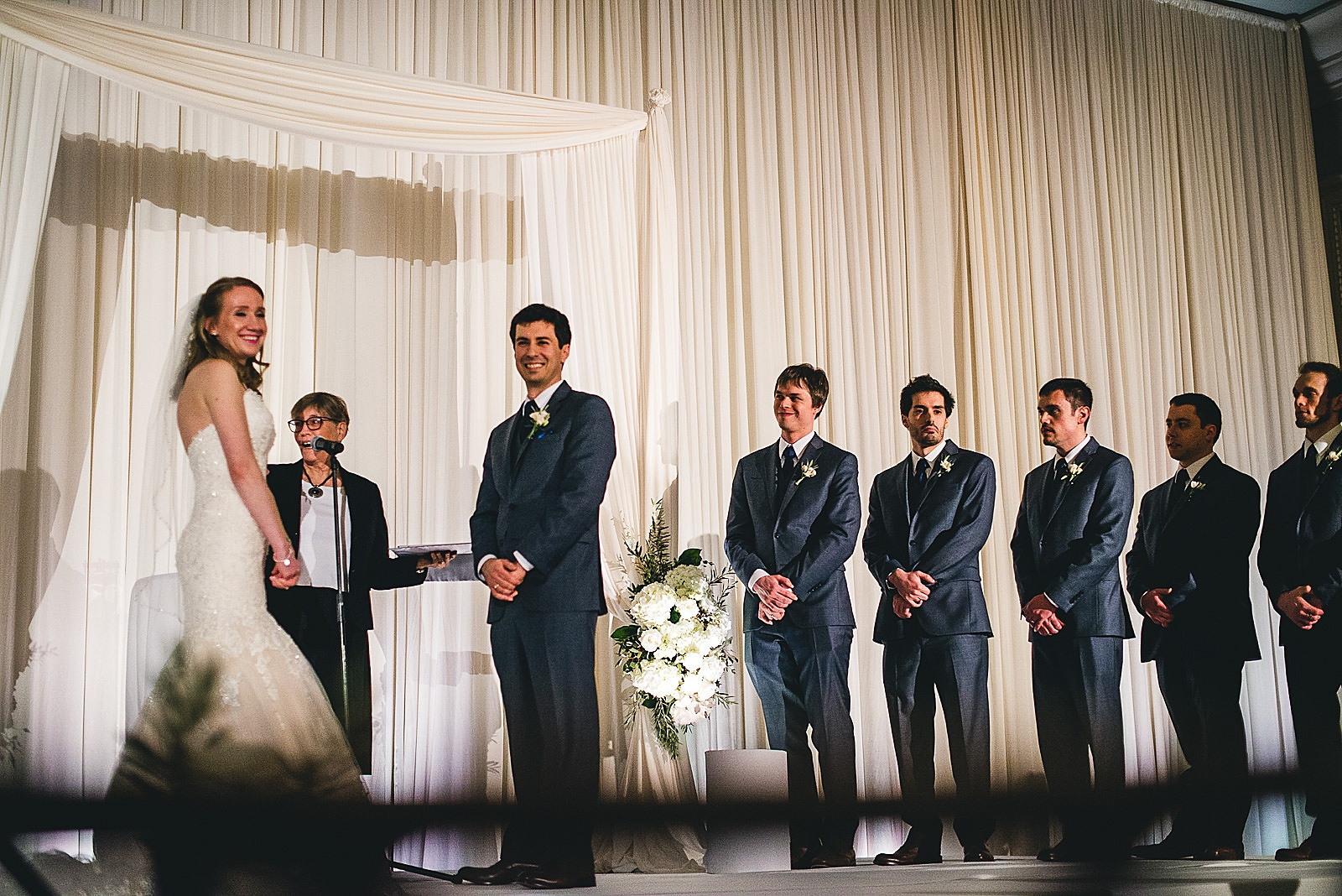 27 amazing wedding photos at drury lane - Oakbrook Wedding Photos at Drury Lane // Marina + Joe