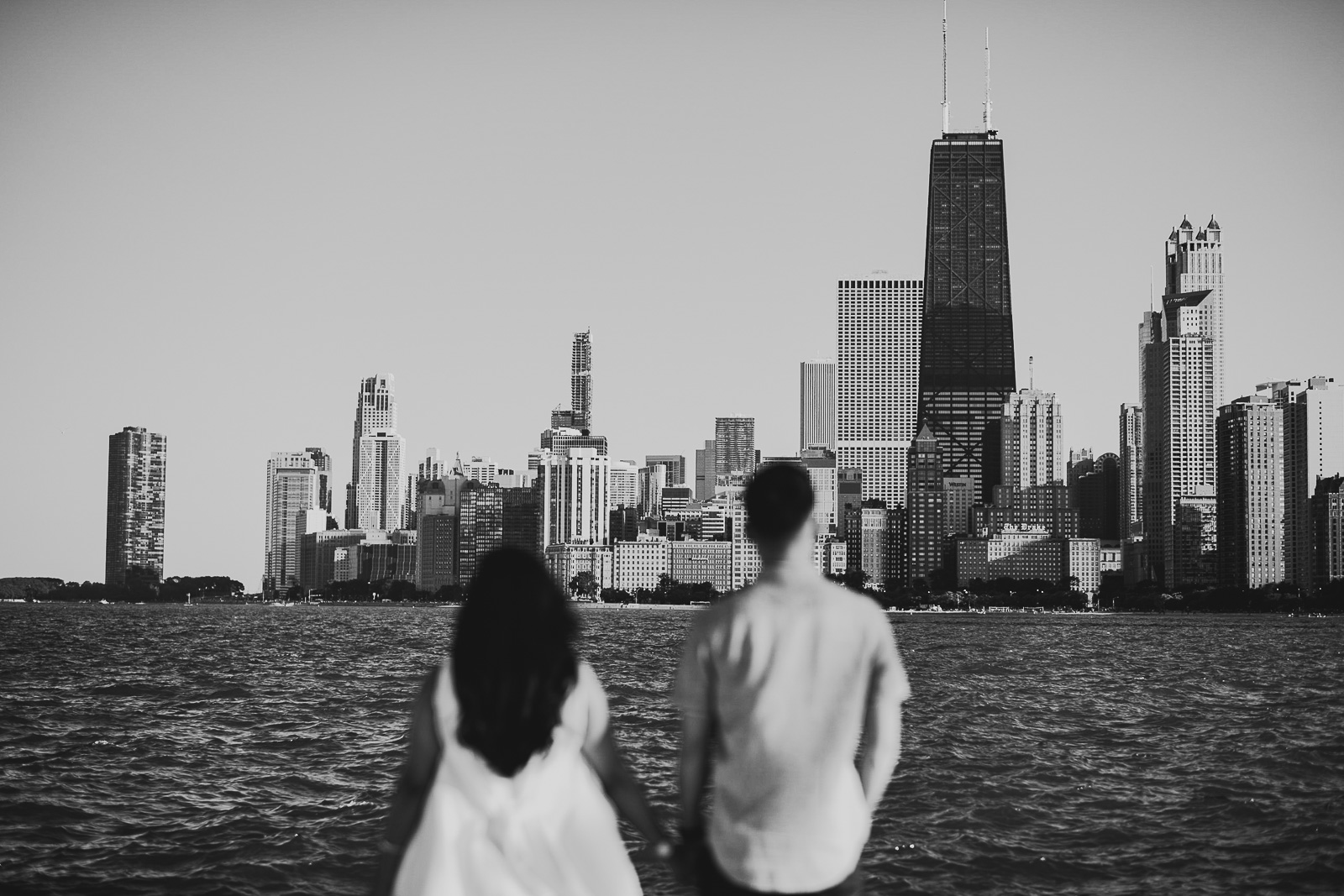 01 chicago engagement session locations - Sunset Engagement Photos // Francine + RJ