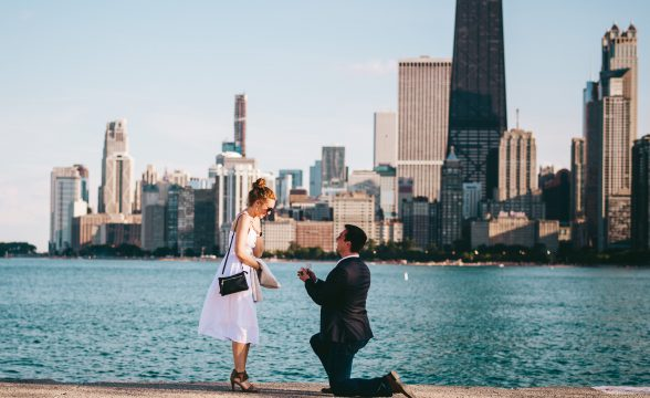 03 proposing in chicago 588x360 - Chicago Skyline Proposal // Chris + Chrissi
