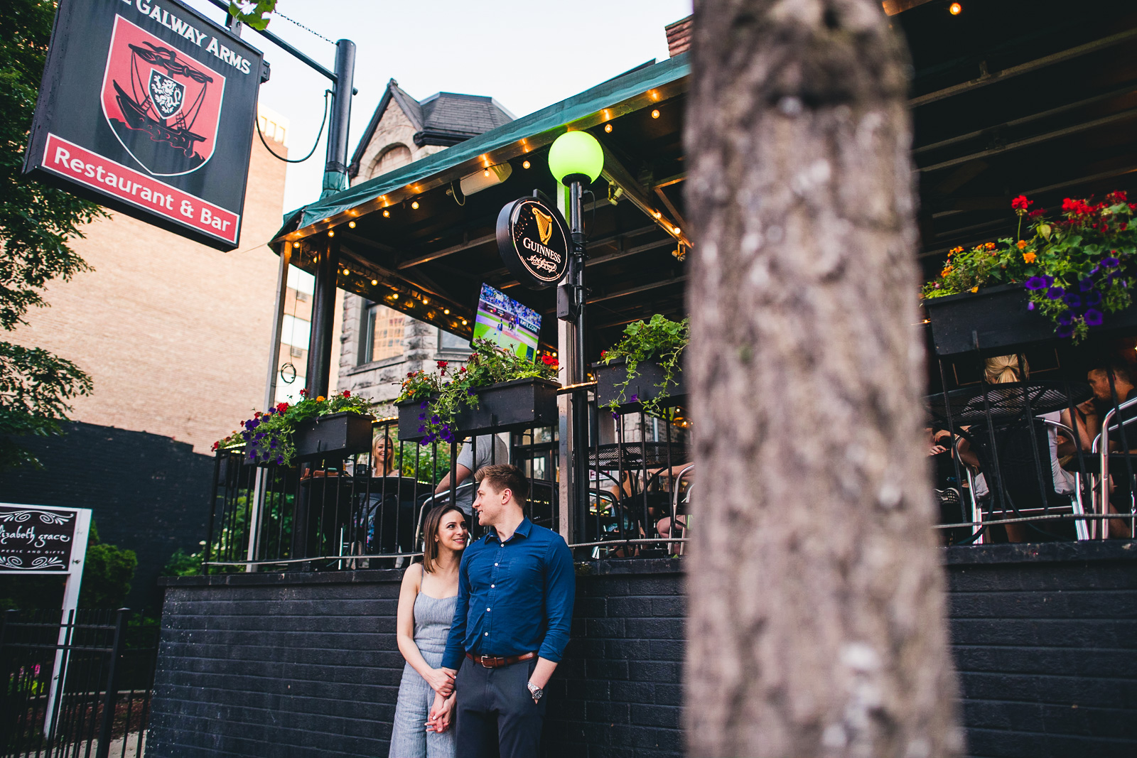 10 brewery photography with engagement session - Chicago Sunset Engagement Session // Lani + Ross