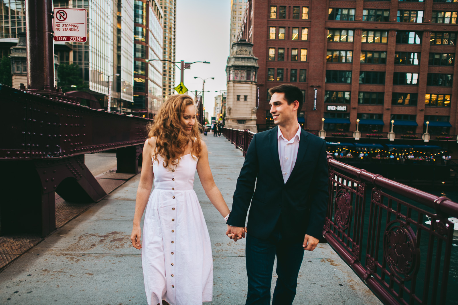 16 engagement photos in chicago bridges - Chicago Skyline Proposal // Chris + Chrissi