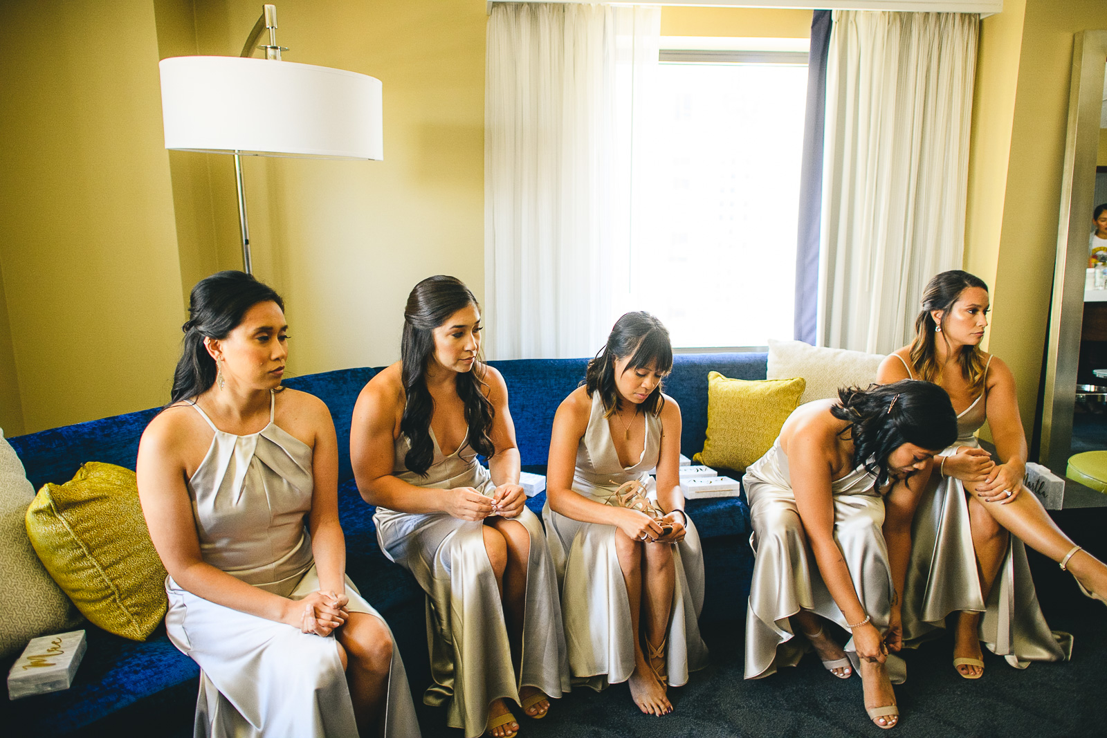 18 renaissance hotel chicago wedding photos - Renaissance Hotel Chicago Wedding Photos // Francine + RJ