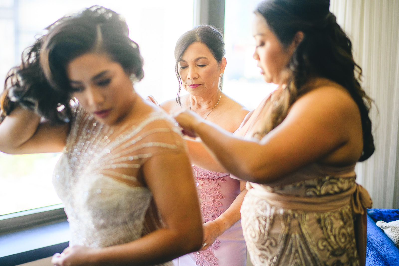 23 renaissance hotel chicago wedding photos - Renaissance Hotel Chicago Wedding Photos // Francine + RJ