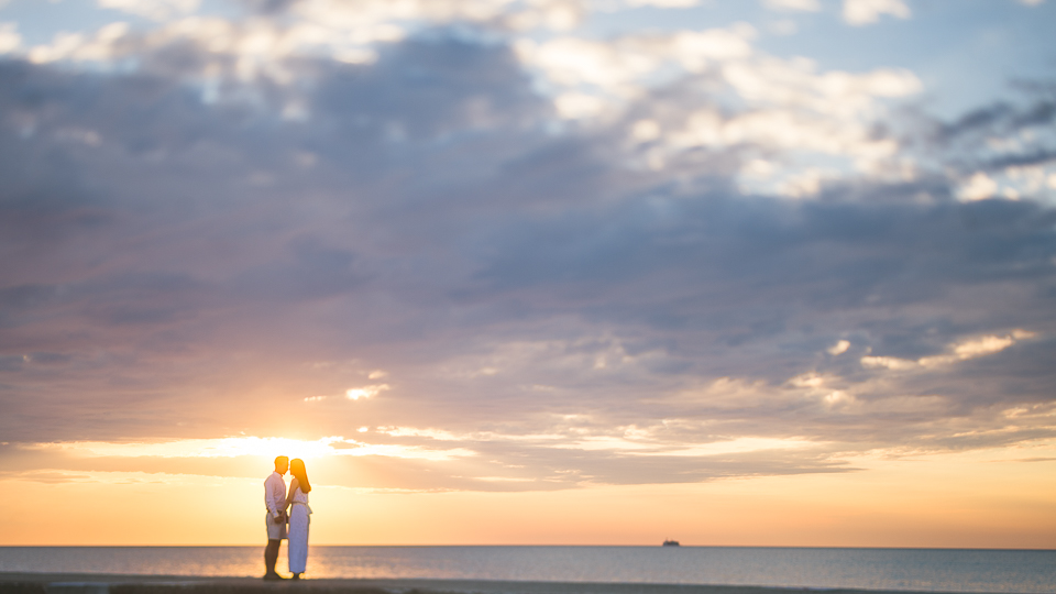 Chicago Sunrise Engagement Session // Heather + Sang